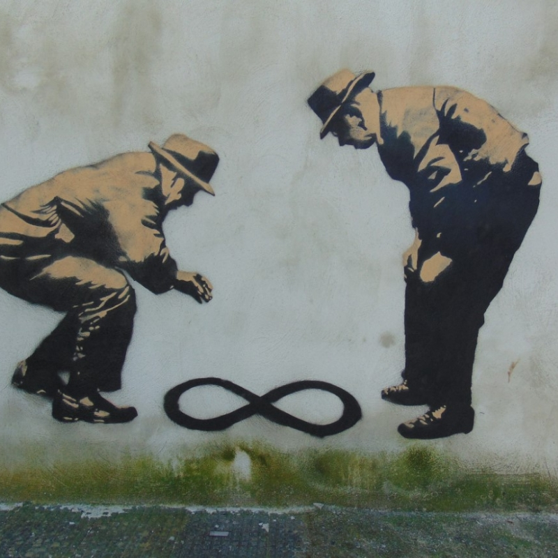 anziani-infinito-salerno-street-art-campania-street-art-inserra-graffiti-stencil-art