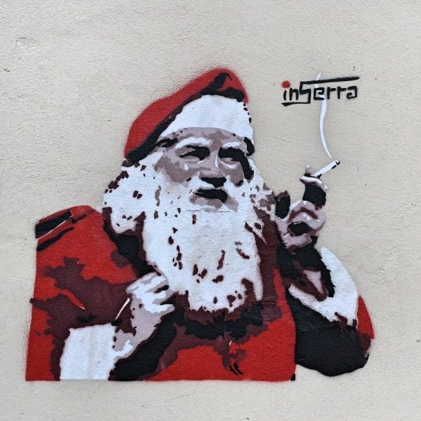 inserra street art babbo natale