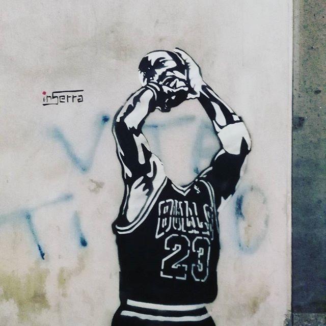 inserra street art basket head