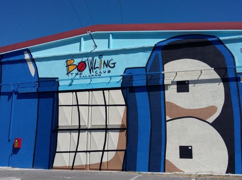 bowling teh club bender inserra street art italy salerno campania street art inserra