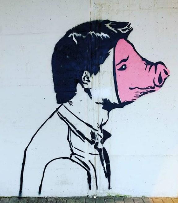 napoli-street-art-inserra pig man street