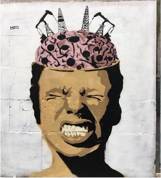no triv inserra street art head