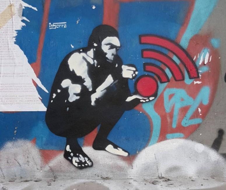 uomo-wi-fi-inserra-street-art-napoli-graffiti-italia-t-arte-pubblica-inserra-eu inserra