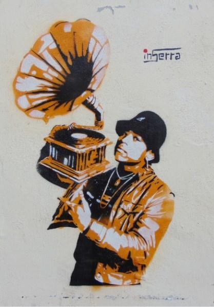 very-old-school inserra street art