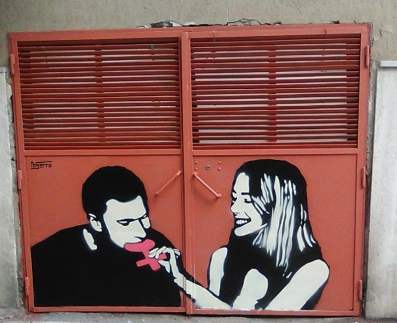 woman breackfast inserra street art
