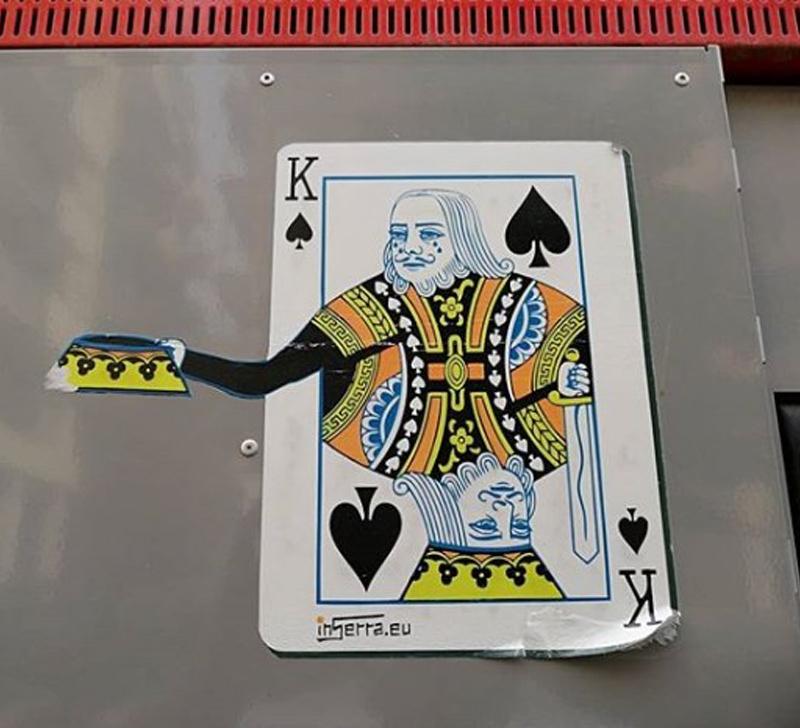 poor king sticker street art inserra vai salerno re di picche